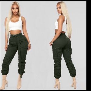 Army Green Cropped Cargo Pants with Belt